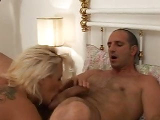 Facial italian Happy family with shadow - hd - complete film -br