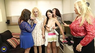 KINKY old and young lesbian group sex