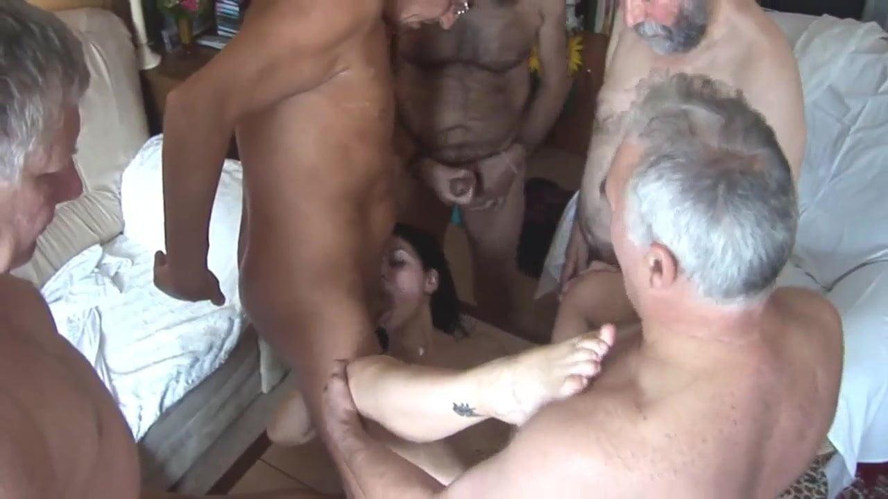 Alte Frau Fickt Jungen Mann einige aeltere maenner versuchen ihre jugend wiederzubeleben