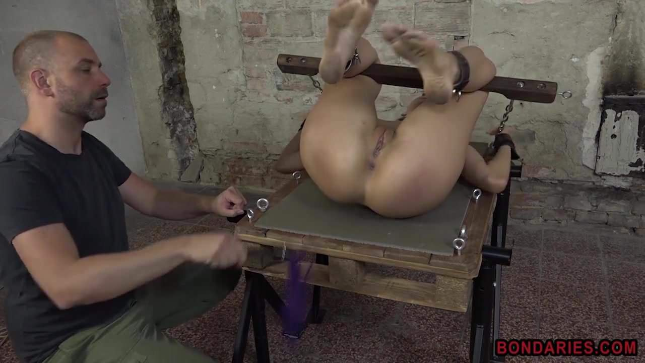 Tied up blonde fucked by the machine, porn cb