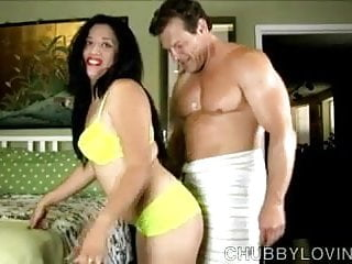 Super fast fucked chick Very tasty thick chick is a super hot fuck and loves facials