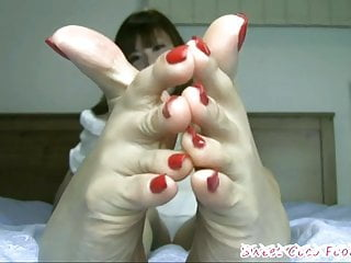 Sexy japanese feet porn Beautiful japanese feet with long toes and sexy bunions