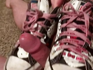 Free hello kitty xxx Hello kitty converse cumshot