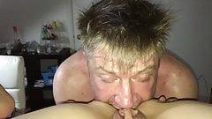 Je me fais manger la chatte et mon cul !!!