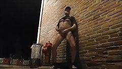 nvelle exhibe dans la rue