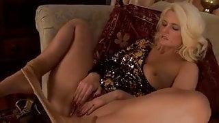 UK milf in pantyhose