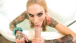 Sexy Sarah Jessie suking a huge cock, big boobs & big booty