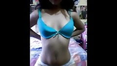 indonesian sexy teen show her hot body to foreign BF