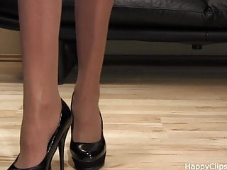 Matures wearing very high heels gallery Anique very nice shoe steps in a black high heels