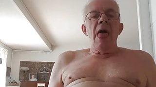 My friend mak me Horny on webcam.