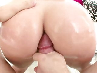 Doggie dicks - Big ass valerie kay twerks on a big dick