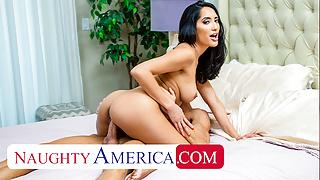 Naughty America - Chloe Amour fucks neighbor to thank him