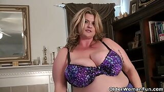 BBW MILF will make your Cock Hard in Pantyhose