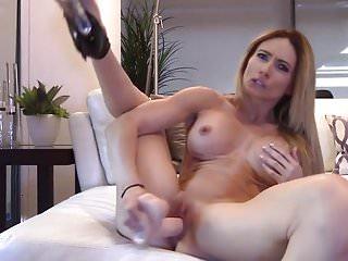 Hot Mature Woman In High Heels Masturbates To Orgasm