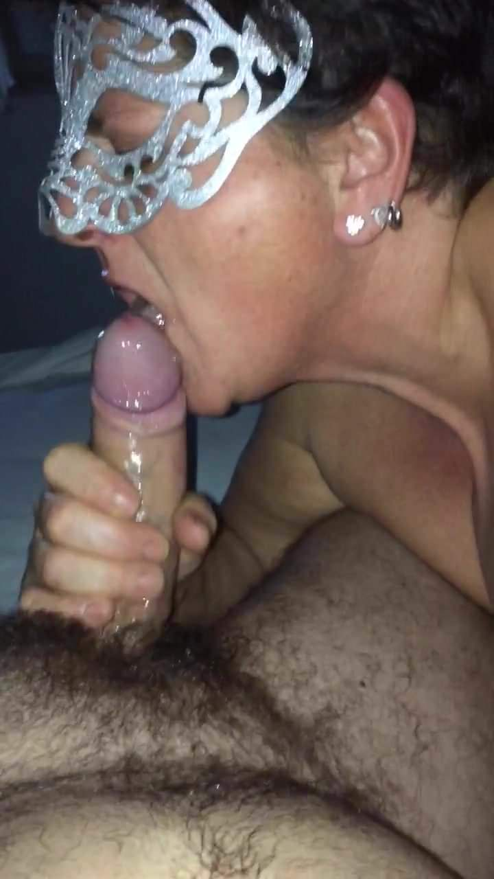 Italian blowjob in the bathroom