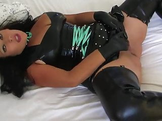 Adult mouse brain Chocolate mouse in latex fucks in bed