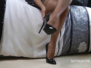 Clits video tgp - Clit gets serious nylon action