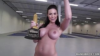 KENDRA LUST IS STILL HOT (TRIBUTE PMV) by ?