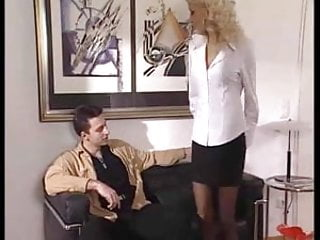 Asshole fucked - Nikky blond gets her asshole fucked and cummed