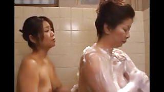 JAPANESE LESBIAN BATH