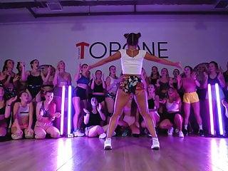 Young sexy cum girl video Hot ukrainian girls twerk young sexy booties in kyiv ukraine