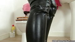 British milf Red fucks herself in tights