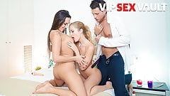 LOS CONSOLADORES - Sexy Mea Melone in Threesome Massage With Swingers