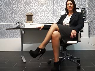Online adult birthday invitations Mature milf invites you for meeting in office