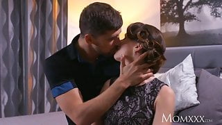 STEP MOM Mature Housewife in stockings squirting after blowjob