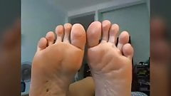 Perfect MILF cam soles in face NO SOUND