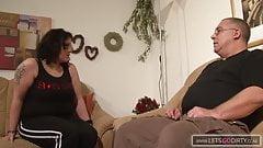 Helga die fette Mom fickt mit Ihrem Nachbarn