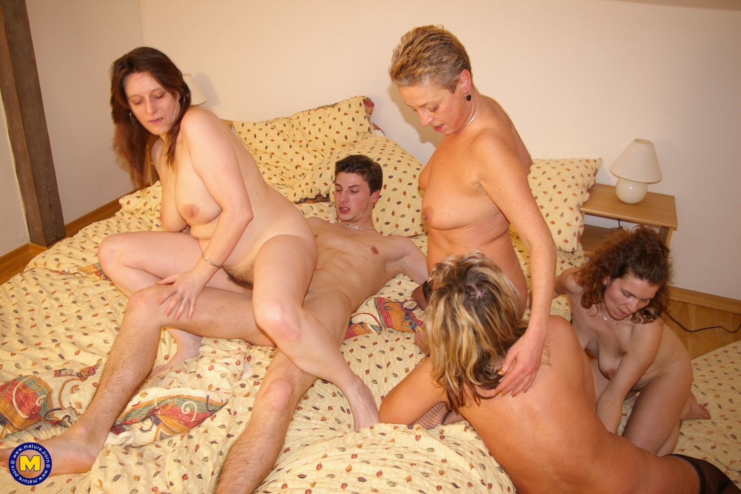 Mom son and three more hungry moms hd