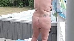fat mom in hot tub