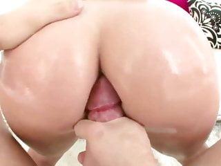 Jordan ash fucks Huge ass bella bellz oiled up and fucked hard