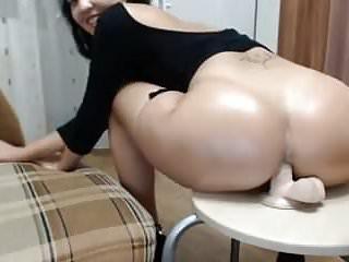 Porno gode arabe Une marocaine sempale le cul sur un gode ventouse