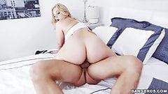 Большую задницу Alexis Texas растягивают ее киску после тренировки