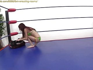Mature female catfights - Female fighting at clips4sale.com