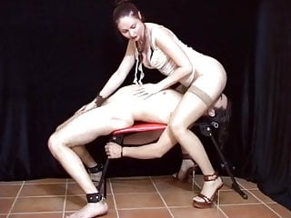 Bdsm dom dominatrix fem latex Fem dom smothering and hand job