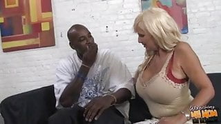 Perfect old step mom creampied by black boy while daughter watch