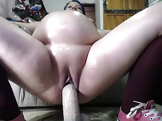 Pregnant riding dick - Pregnant cam-slut rides her toy
