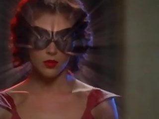 Holly marie combs nude lesbian Alyssa milano - charmed season 5 e03-23