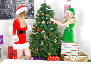 Erica cox sex scene bitten Merry breastmas - lesbian scene with stella cox and ang