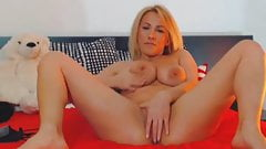Hot Naughty Mature Babe FIngering Her Pussy