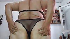 Mature show ass 45y