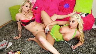 Spizoo-Britney Amber & Natasha Starr wet pussies & big booty