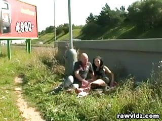 Roadside blowjob videos - Couple caught fucking at public roadside