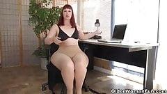chubby woman in pantyhose masturbates twice