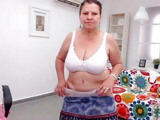 Granny strip vid porn - Arab granny strip and dance