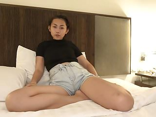 Japanese gay cumshots - The face was pretty cute, slender, and big boobs
