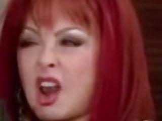 Kellyanne judd naked - Naomi judd tongue loop 1
